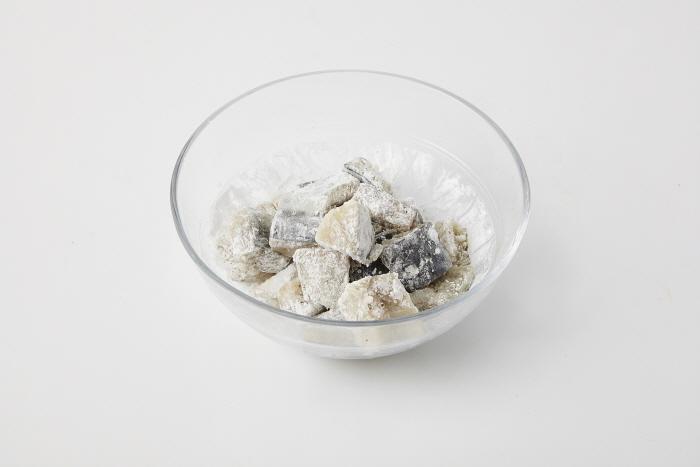 석류소스 삼치탕수