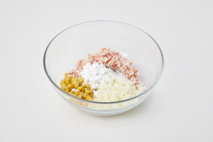 게살 튀김과 요거트 소스